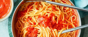 طرز تهیه سس گوجه فرنگی تند مخصوص پاستا