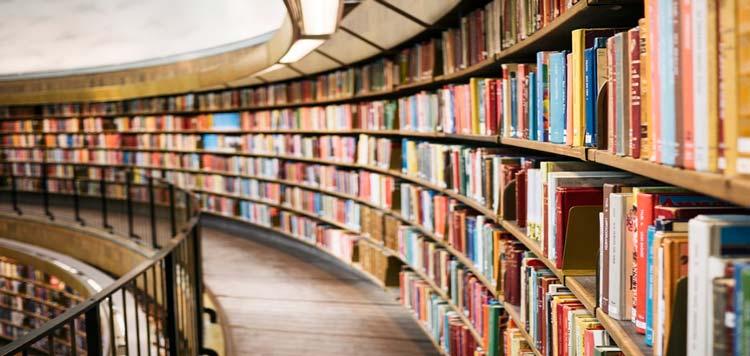 6 کتاب شعر محبوب که باید در کتابخانه خود داشته باشید