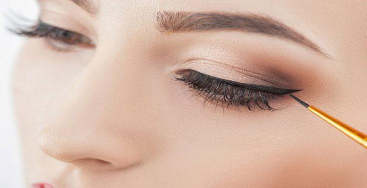 استفاده از خط چشم در آرایش روزانه
