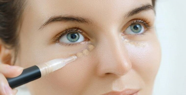 استفاده از کانسیلر در آرایش